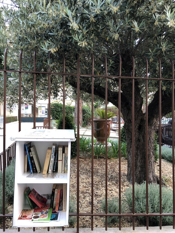Rue Saint-Dizier library