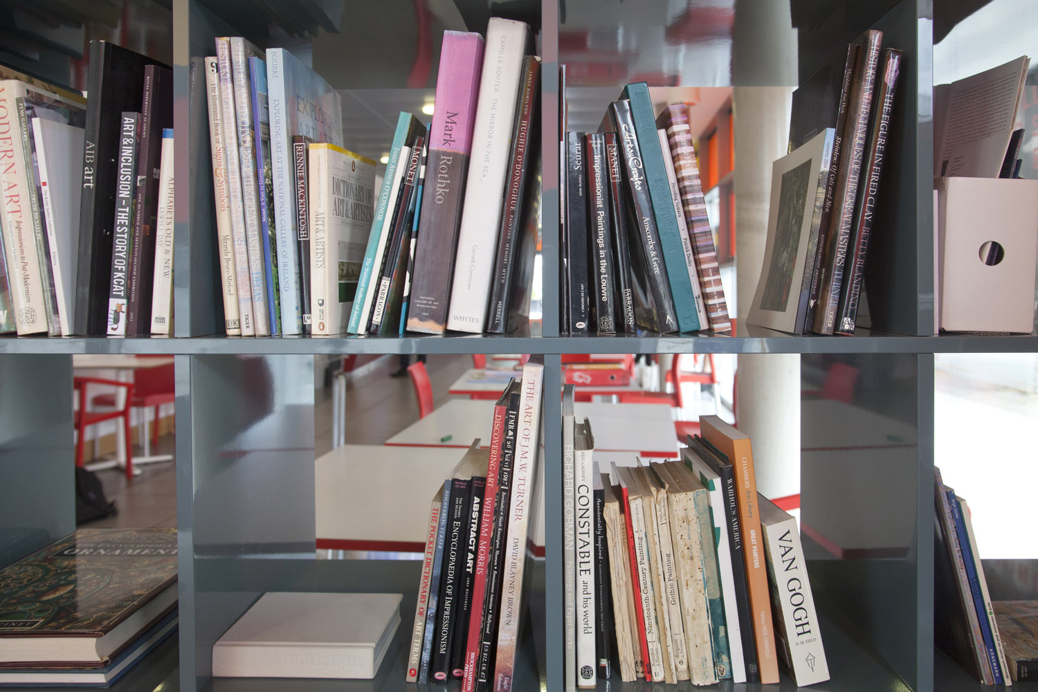 Rua Red Pop-up Art Library